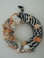 rope shell wreath